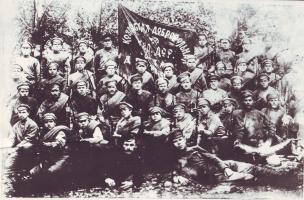 Бойцы Козловской добровольной железнодорожной дружины, организованной в январе 1918 г. Дружина участвовала в боях на Уральском фронте против армии генерала Колчака