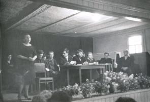 Выступление Нины Николаевны Емельяновой в клубе д. Ивановка на церемонии открытия комнаты-музея С.В. Рахманинова. 26 мая 1968 г.