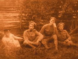 Поручик Пантелин Н.Ф. с сослуживцами. 22 сентября 1917 г. Коллекция ф/д. Оп. 4. Ед.хр. 453