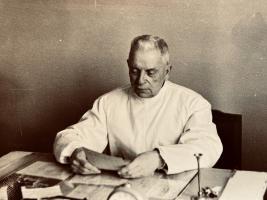Быстров Борис Константинович, заслуженный врач РСФСР, в годы войны служил в тамбовских госпиталях. 28 апреля 1971 г. Ф. Р-147. Оп. 1. Д. 9