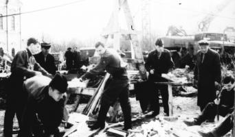 Сооружение монумента «Вечный огонь» в Тамбове. 1970 г.