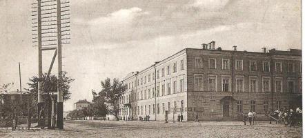 Здание присутственных мест на Дворцовой улице (ныне ул. Советская, 118), в котором находилось губернское правление