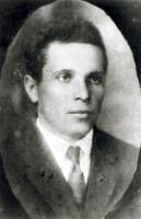 Алифанов Константин Андрианович – техник Козловских железнодорожных мастерских, один из организаторов установления советской власти в губернии. Под его руководством 3 марта 1917 г. была разоружена полиция в г. Козлове