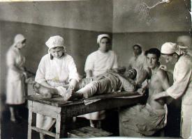 В перевязочной эвакогоспиталя № 5354