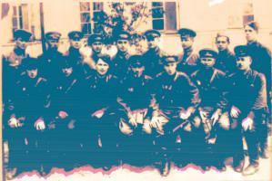 Дважды Герой Советского Союза С.А. Ковпак, советский государственный деятель, командир Сумского партизанского соединения в годы Великой Отечественной войны, с группой офицеров в Тамбове